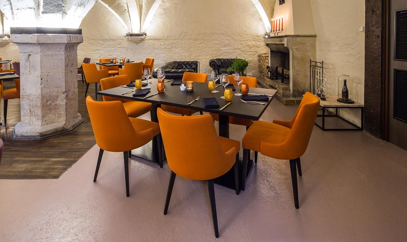 am nagement restaurant le cellier bar sur aube collinet. Black Bedroom Furniture Sets. Home Design Ideas