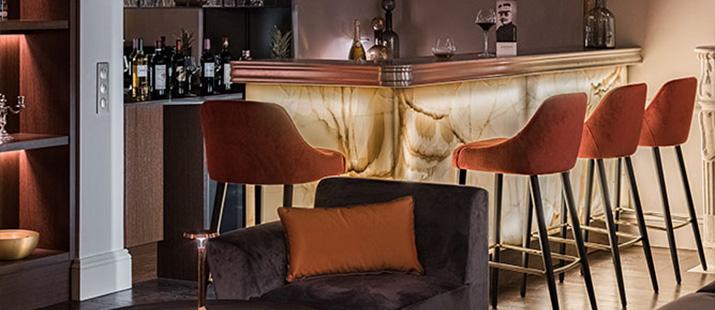 Mobilier restaurant et meuble salle restauration collinet for Mobilier salle a diner