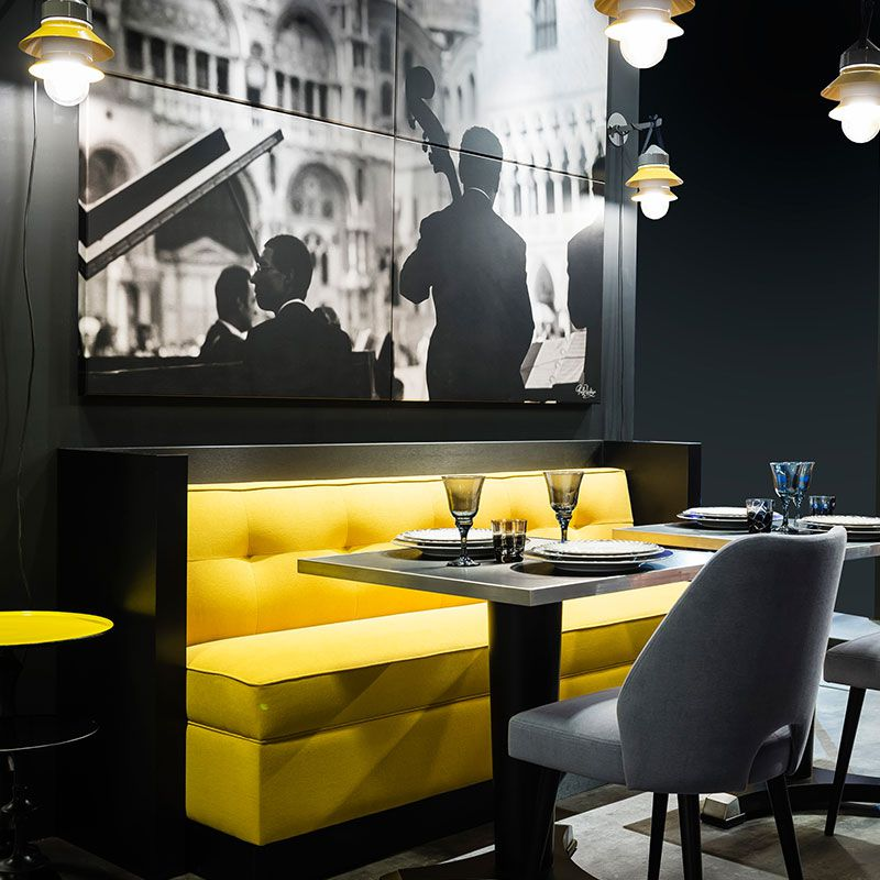 banquette jaune pour caf restaurant woodoo collinet. Black Bedroom Furniture Sets. Home Design Ideas
