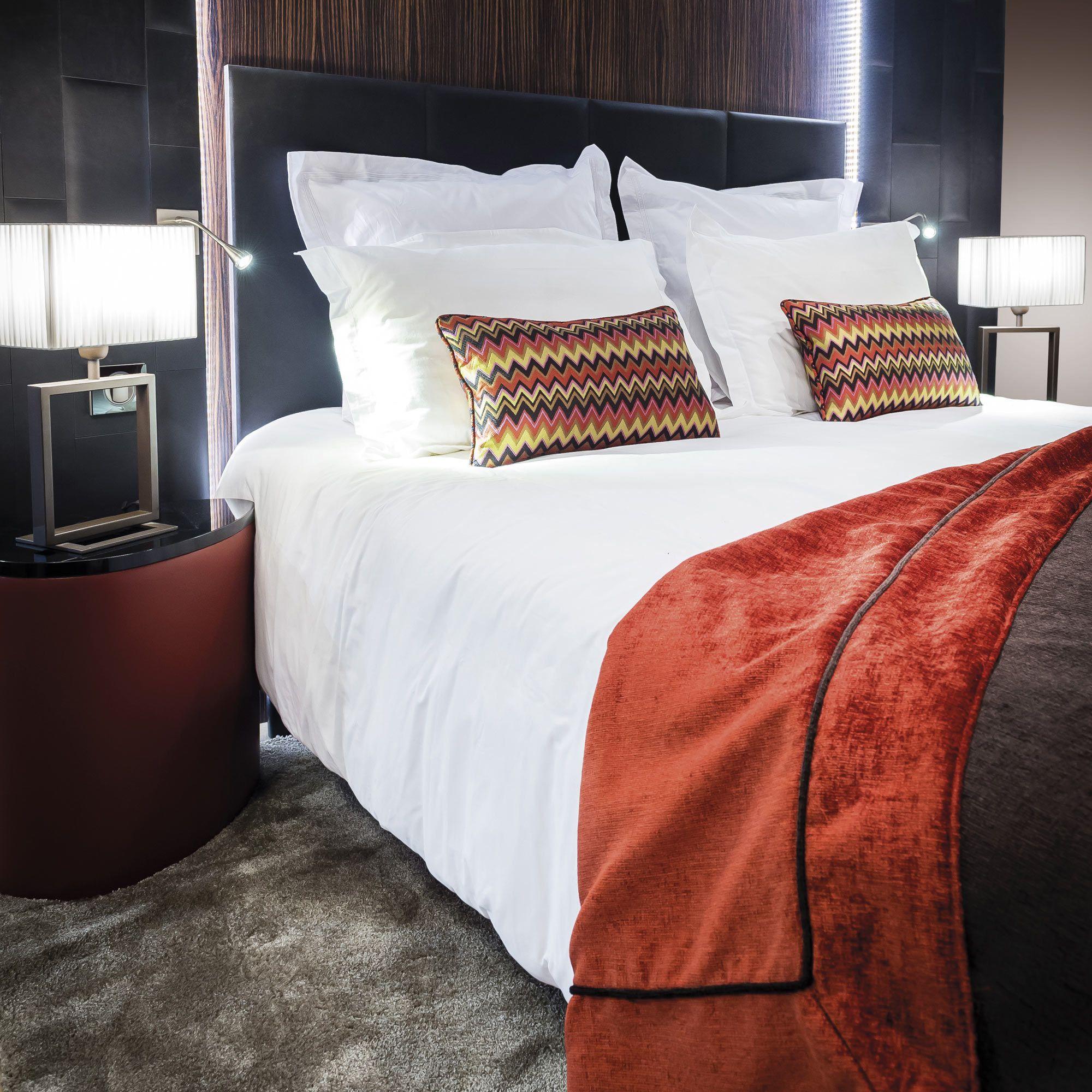 Cheap tte de lit cuir noir with lit rond noir - Deco de chanbre adulte lit rond rouge ...