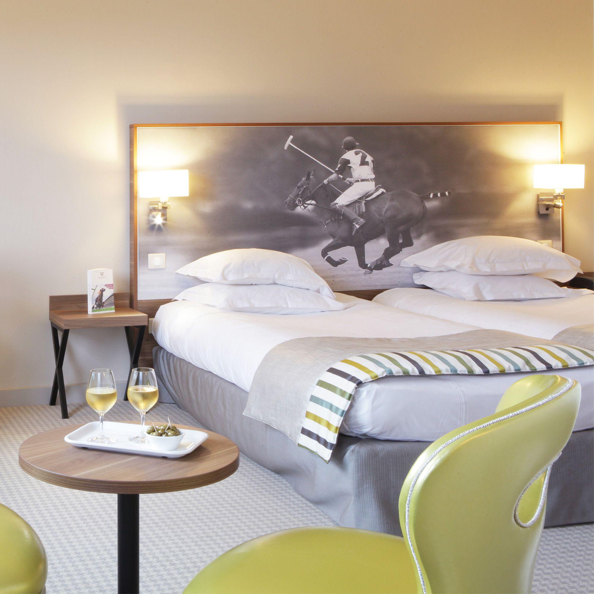 t te de lit imprim e pour h tel chantilly collinet. Black Bedroom Furniture Sets. Home Design Ideas