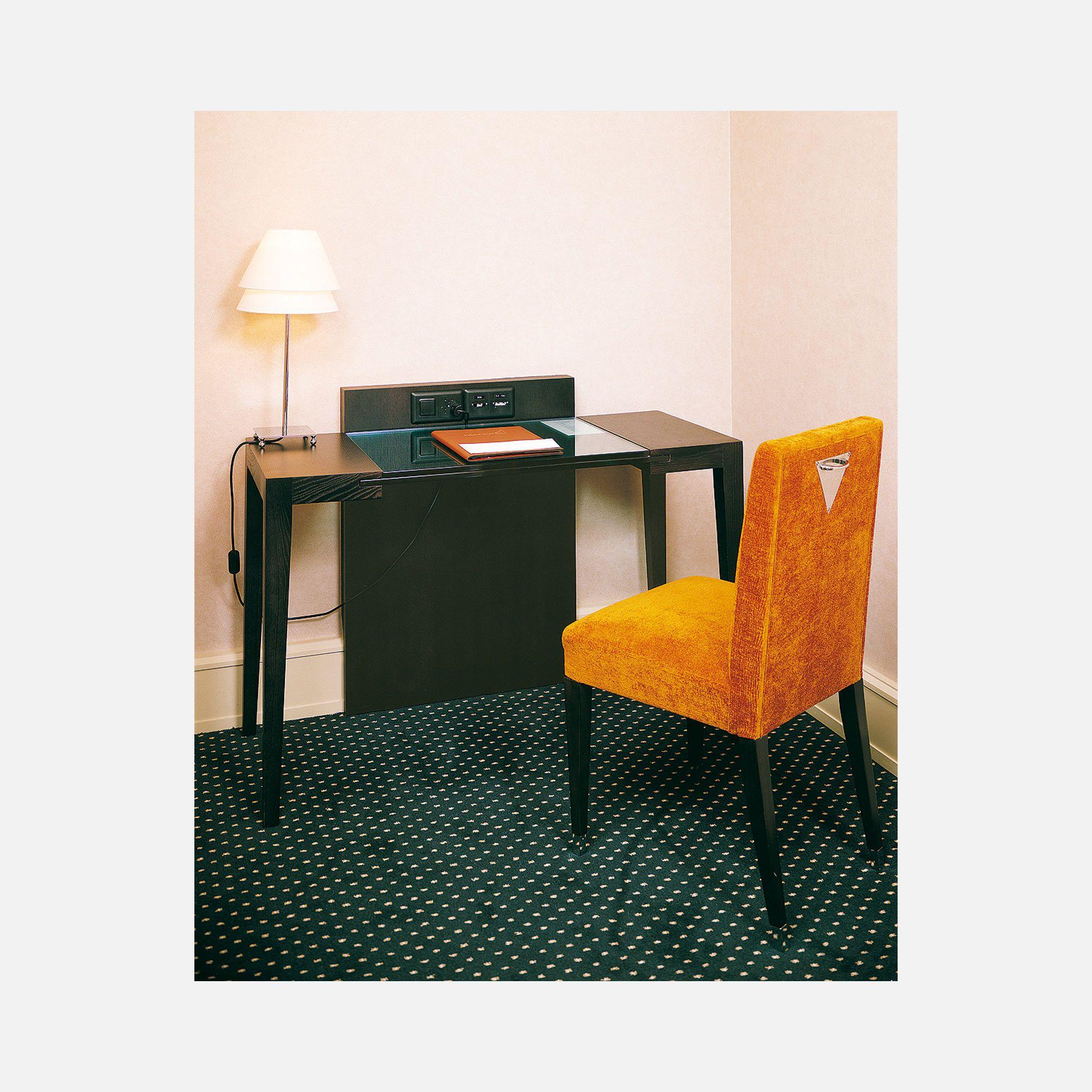 bureau pour chambre d 39 h tel auteuil collinet. Black Bedroom Furniture Sets. Home Design Ideas