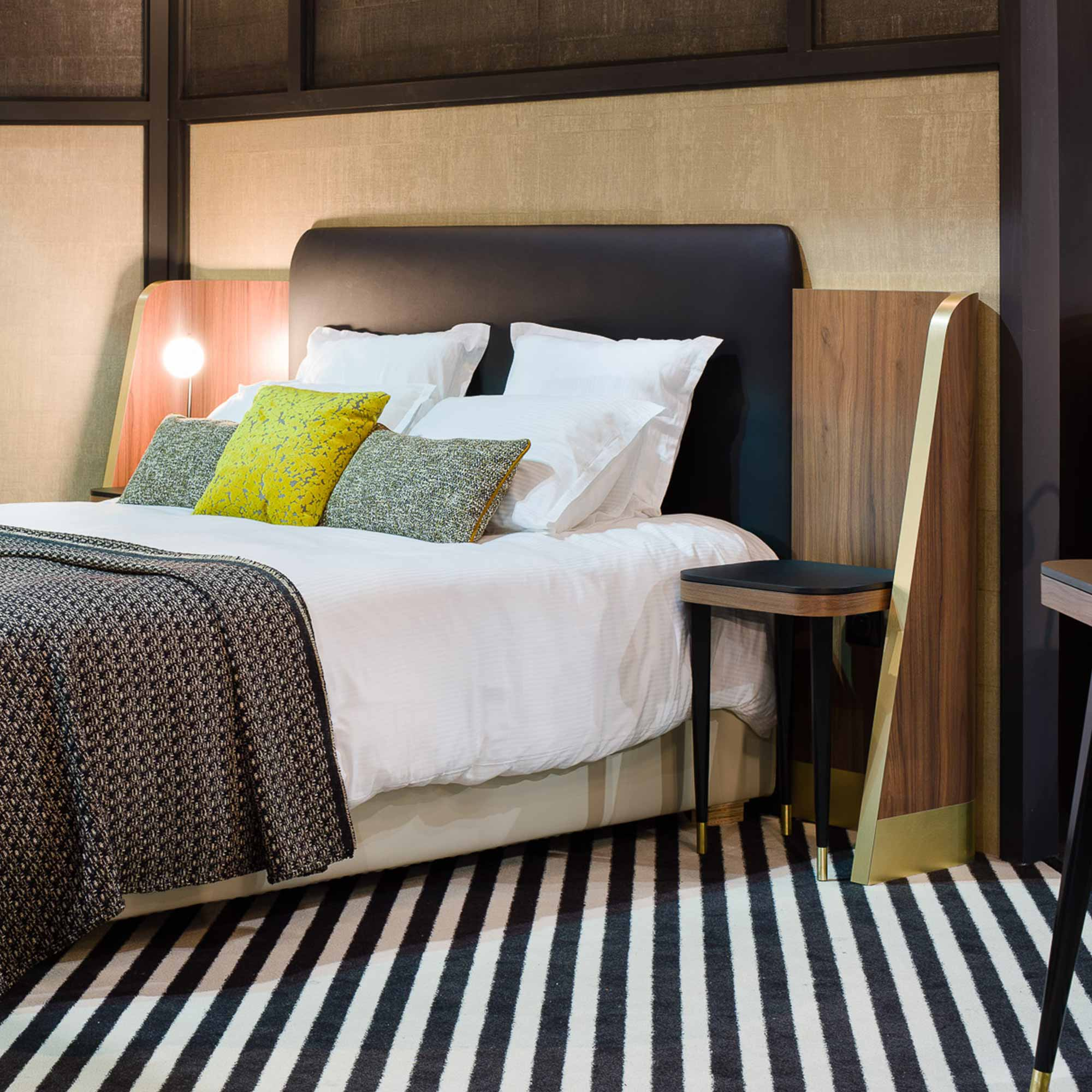 t te de lit belle epoque pour h tel collinet. Black Bedroom Furniture Sets. Home Design Ideas